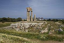 220px-Temple_Apollon_Rhodes.jpg